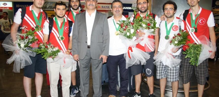 Dünya Şampiyonu Genç Milli Takımımız Yurda Döndü